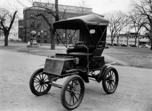 AUTO ELETTRICA 1900