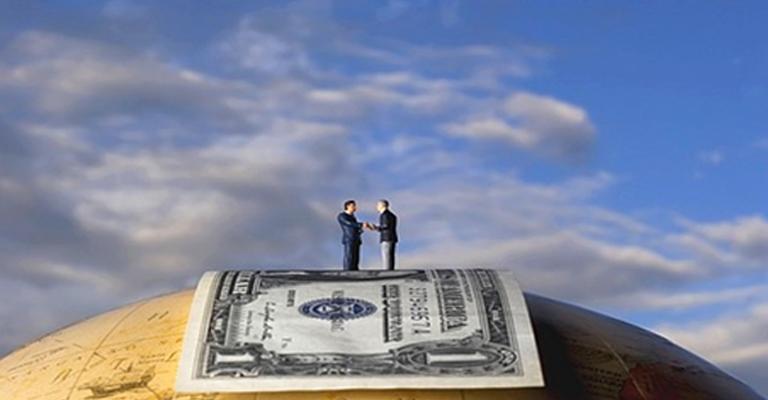denaro e crescita della societa
